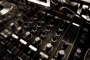 audio mixer pexels photo 63703sep756x502