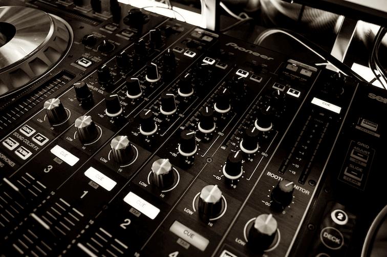 audio-mixer 756x502